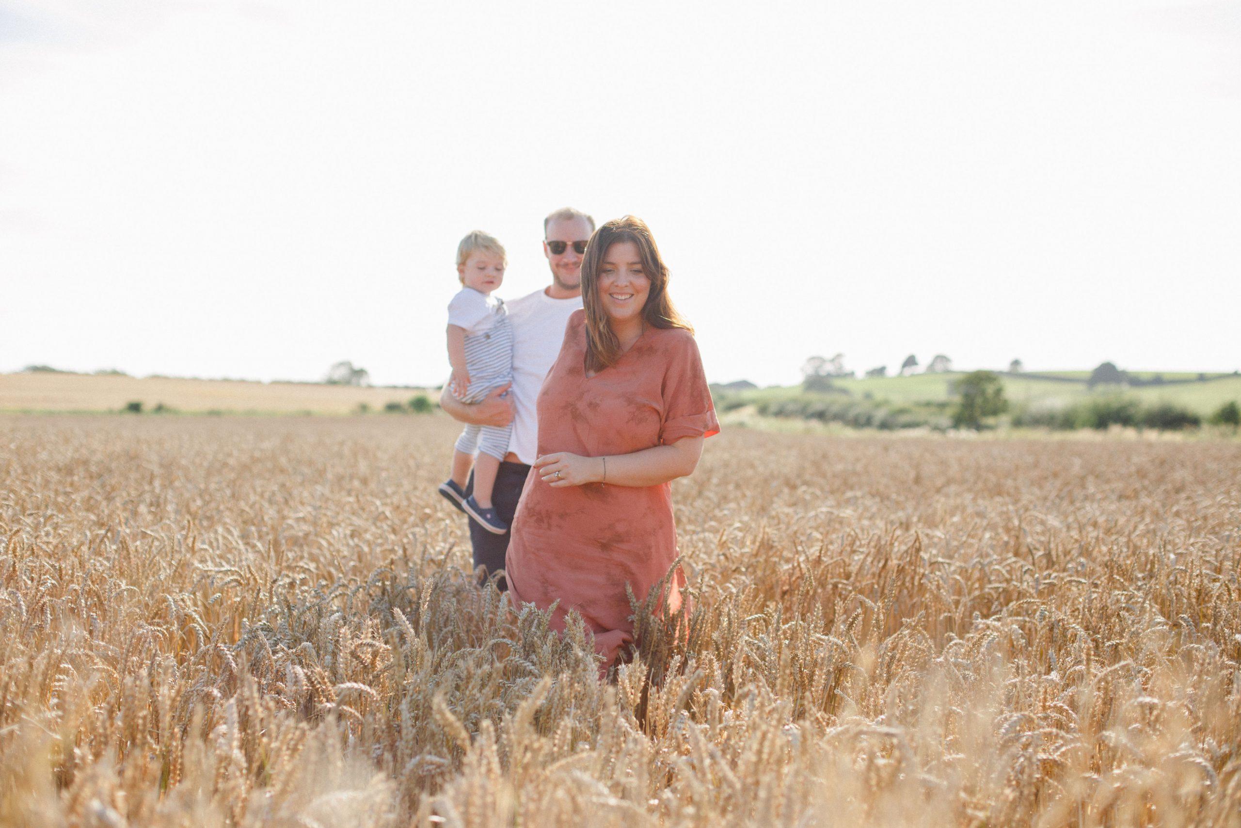 family shoot in fields